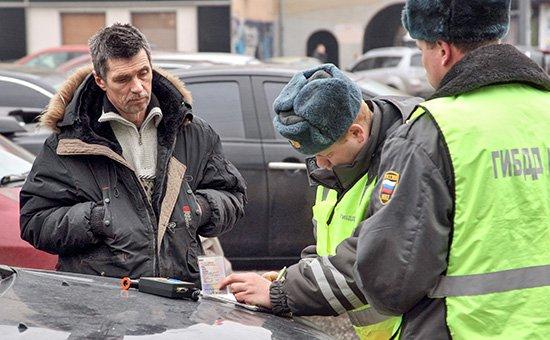 С 15 января 2016 года должники будут лишаться водительских прав.