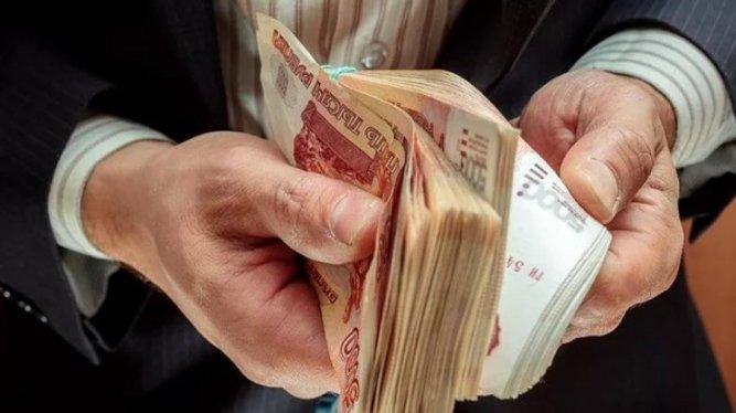 Росстат зафиксировал рост реальных зарплат и пенсий