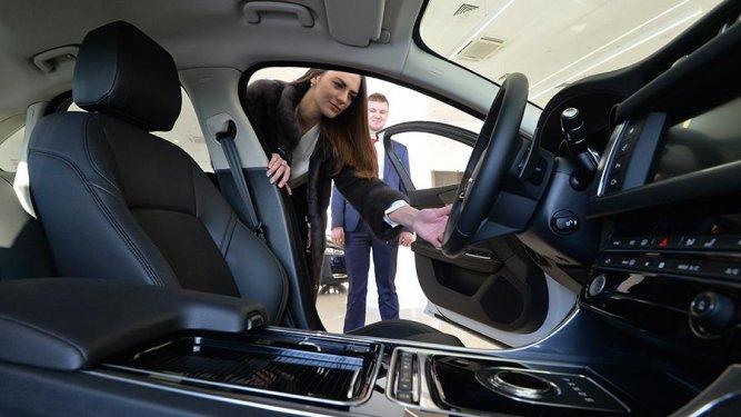 Минпромторг оценил рост цен на автомобили из-за повышения утильсбора