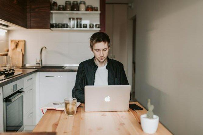 Москвичи смогут найти работу и пройти переобучение в режиме онлайн