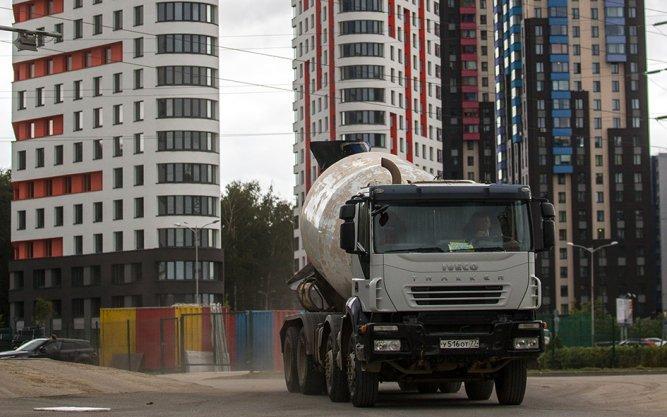 С 1 августа в трех округах Москвы введут запрет на проезд грузовиков